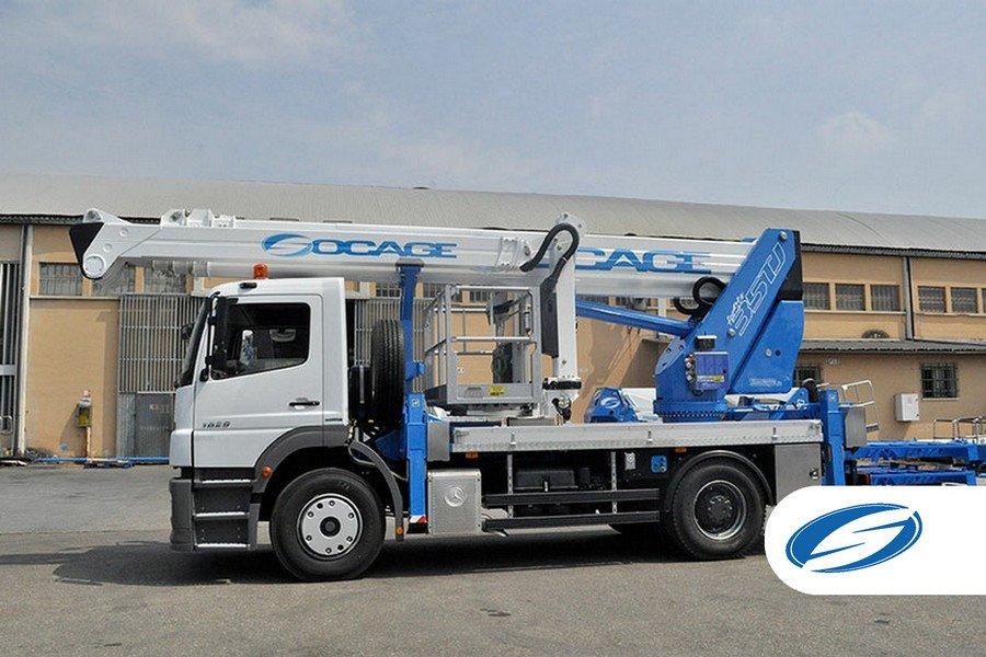 camions avec flèche articulée panier élévateur potence ForSte 35TJ laterale Socage 1