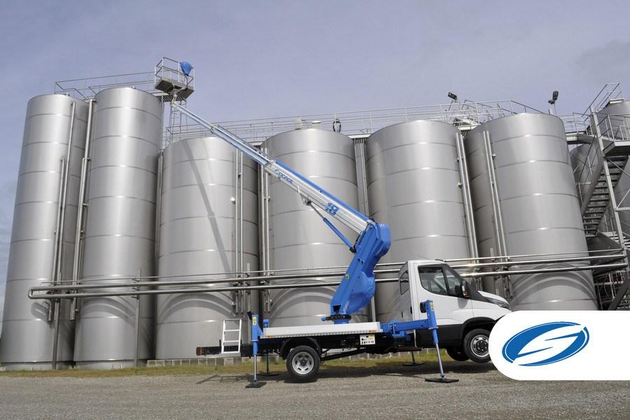 camions avec panier élévateur ForSte 18T extension bras Socage