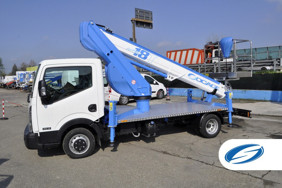 camions avec panier élévateur ForSte 18T stabilisateurs Socage