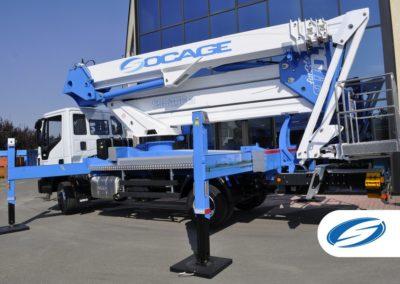 plates formes sur camion avec flèche ForSte 37DJ stabilisateurs Socage