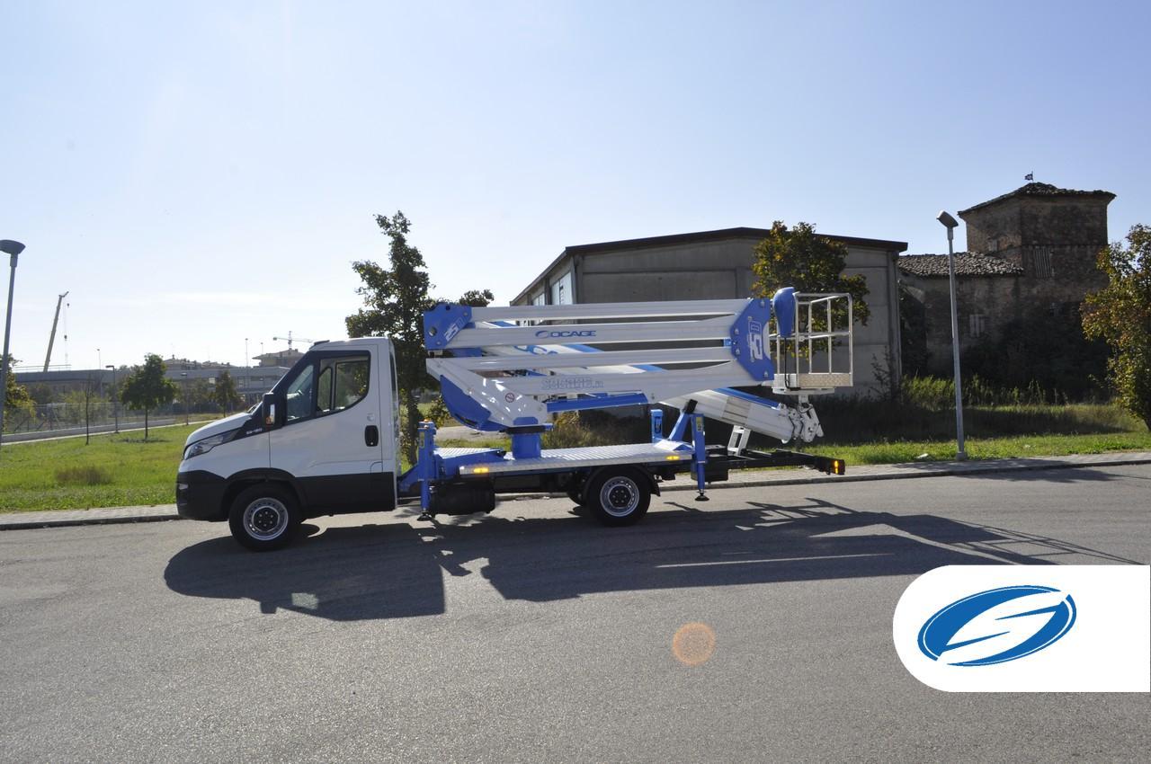 Camion nacelle forSte 25D Iveco