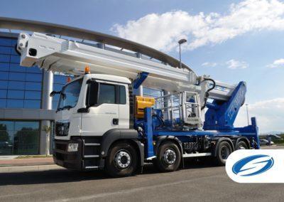camion con piattaforma sollevabile telescopica jib ForSte 54TJJ sinistra Socage 400x284 1